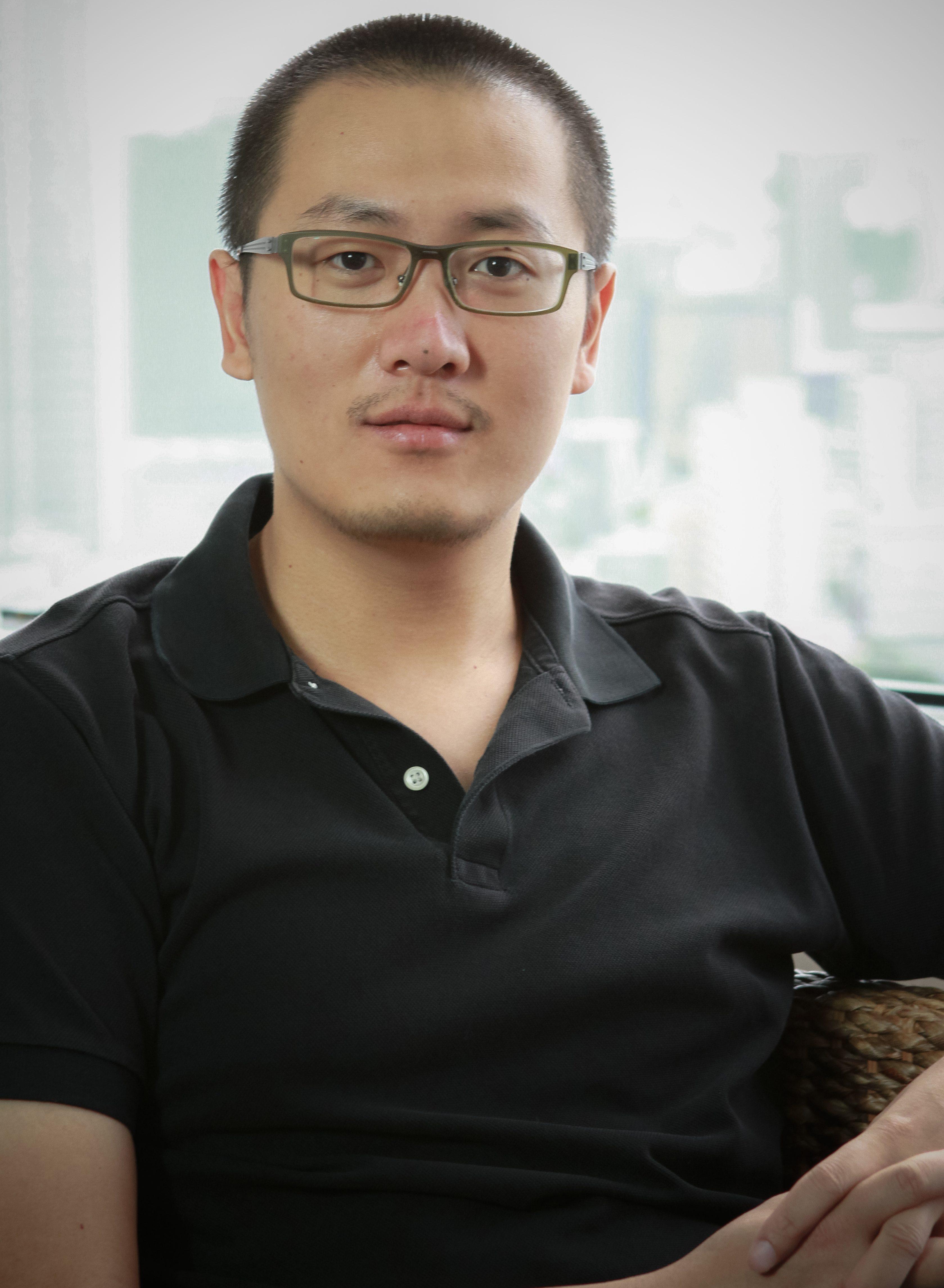 Aaron Chen, 陈笑天